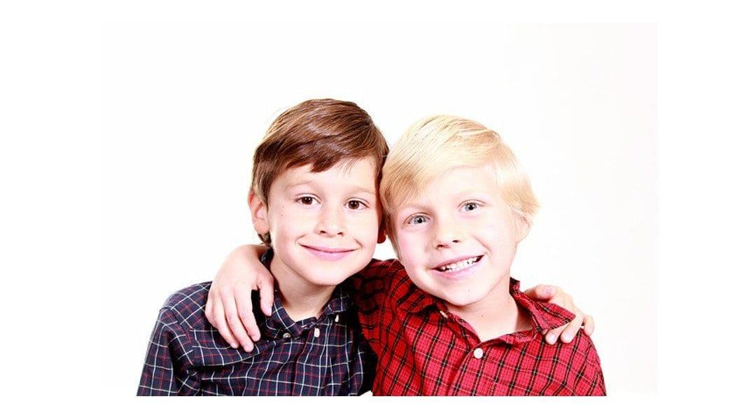 Niños abrazados - Blog Un abrazo significa